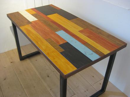 つぎはぎのテーブル